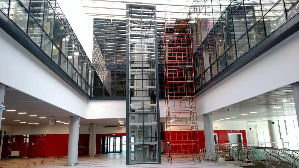 Противопожарное остекление внутренних фасадов атриума, при строительстве терминала обслуживания пассажиров на ст.Аэропорт (Домодедово)