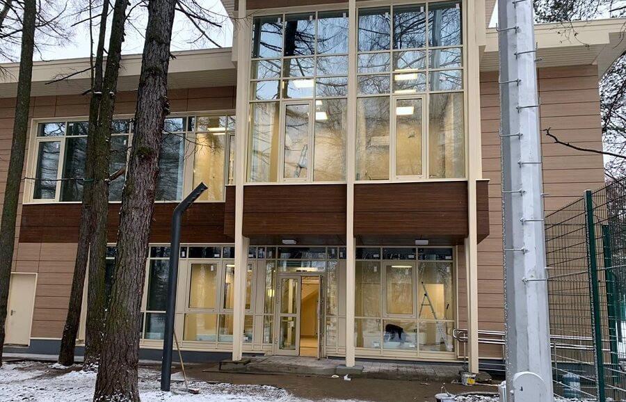 Алюминиевое остекление административного здания спортивно - оздоровительного кластера «ТЕННИСНЫЙ ЦЕНТР» г.Москва